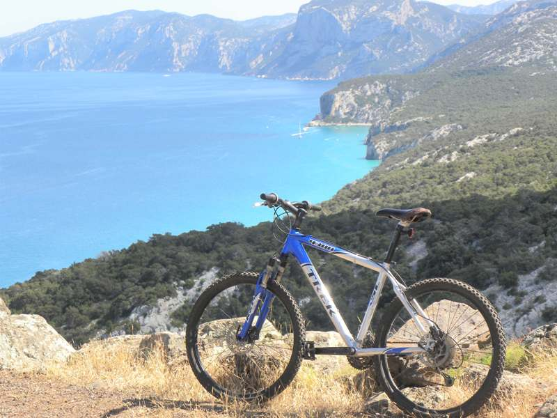 Excursion by mountain bike
